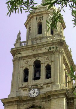 Campanario de la catedral. Foto IDEAL